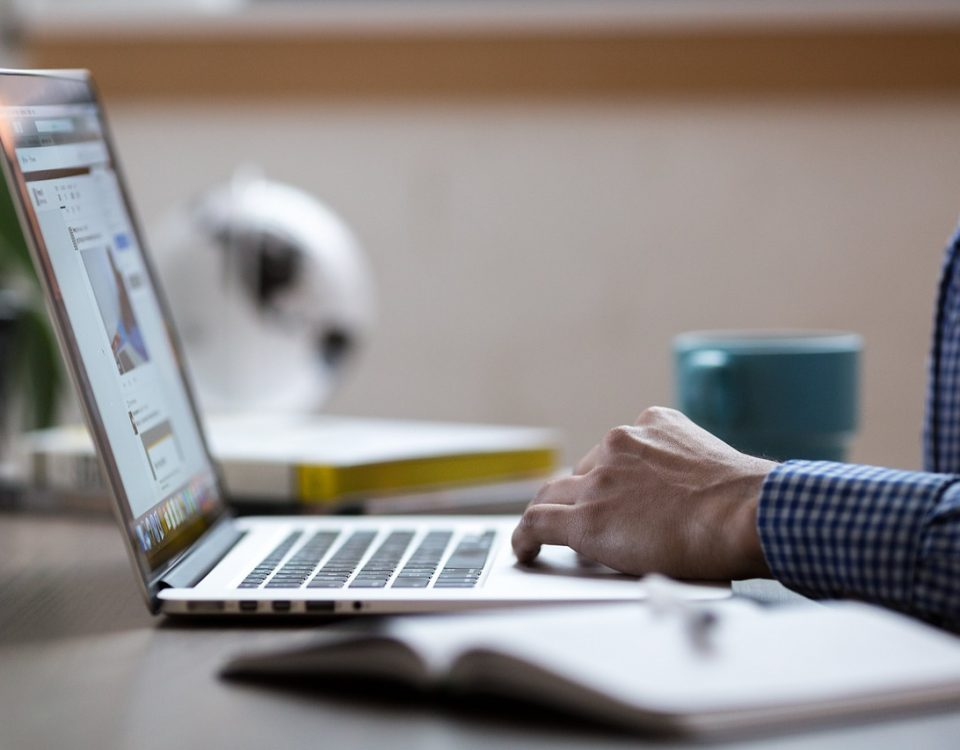 laptop, aplikacja Fieldworker